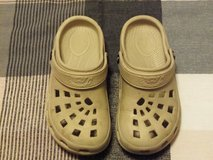 Girls Size 1 Shoes in Yorkville, Illinois